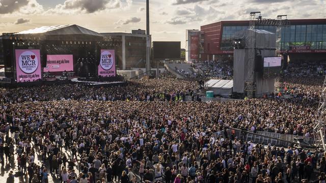 Tienduizenden mensen bij benefietconcert One Love Manchester