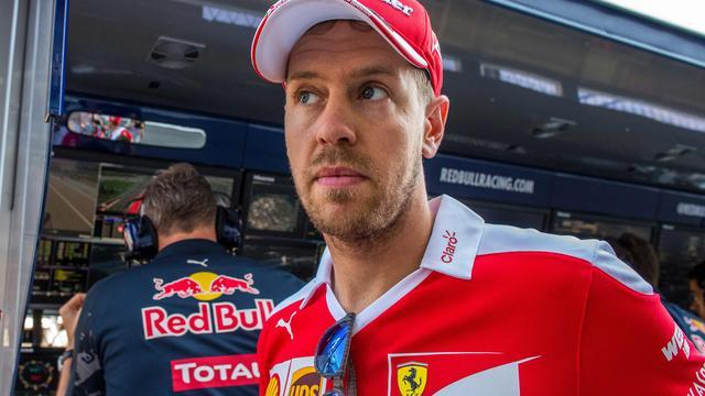 Vettel vijf plekken teruggezet bij start Grand Prix van Oostenrijk
