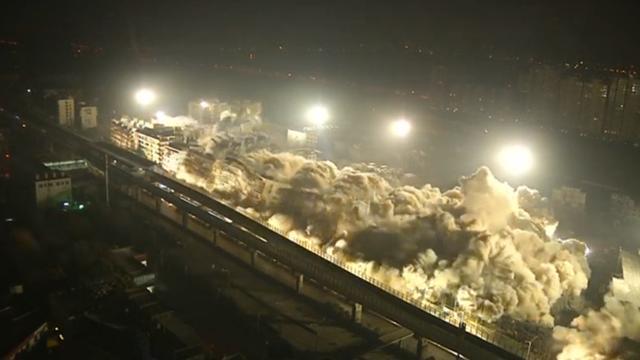 Negentien gebouwen tegelijkertijd gecontroleerd opgeblazen in China