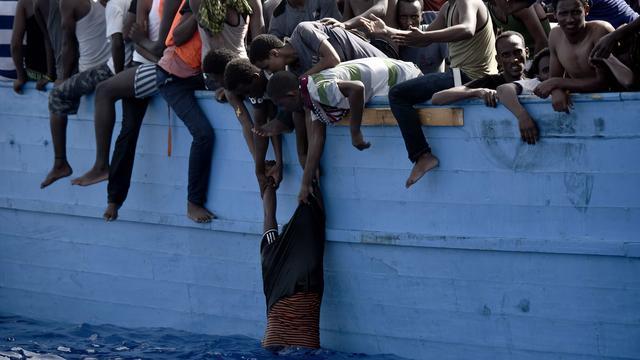 'Twee Nederlandse schepen betrokken bij mensensmokkel'