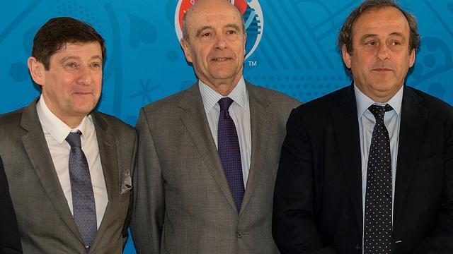 Franse minister van Sport steunt Platini ondanks schorsing
