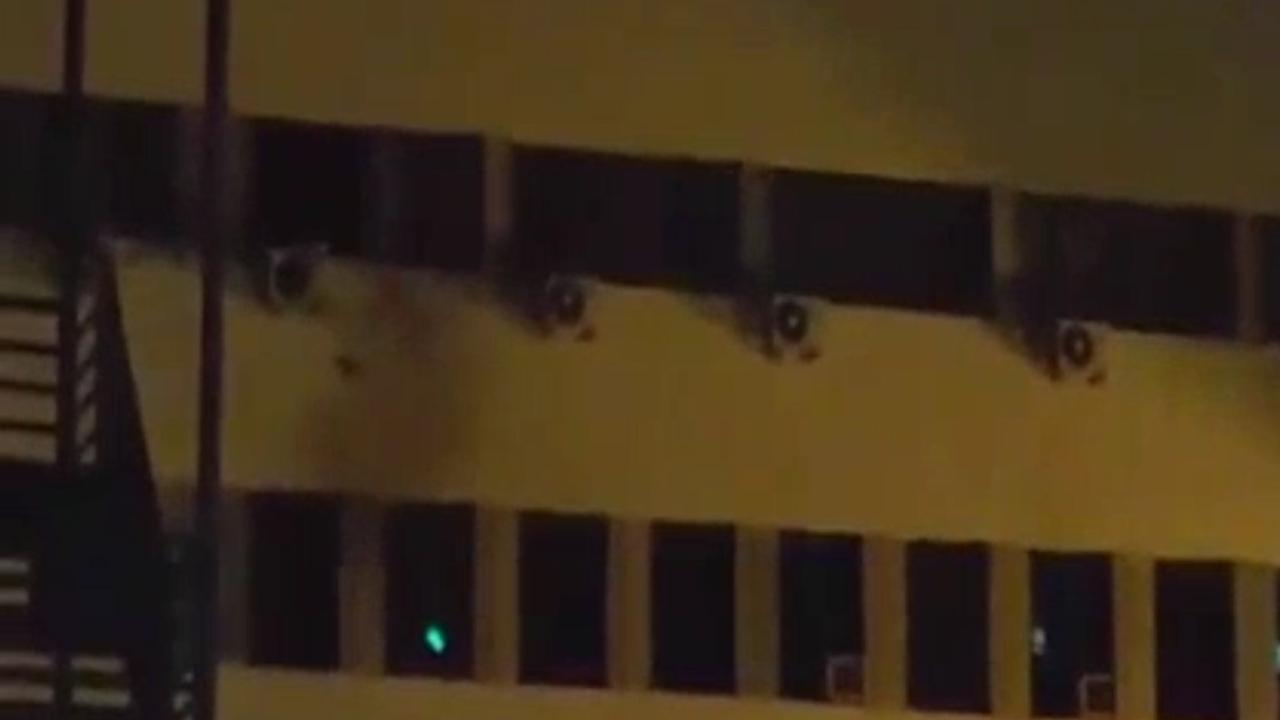 Onbekenden vuren explosief af op parlementsgebouw Kosovo