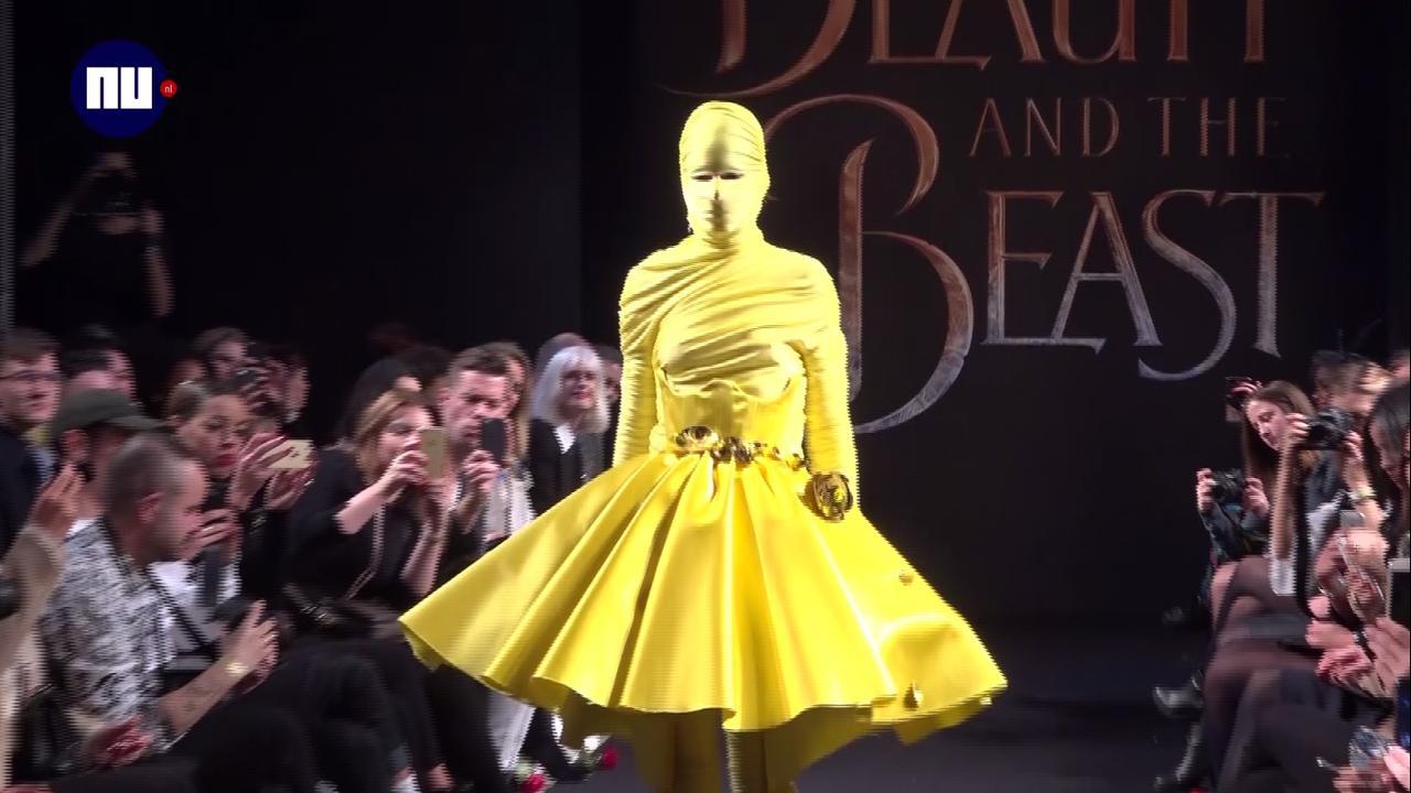 Jonge ontwerpers maken outfits geïnspireerd op Belle en het Beest