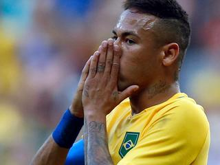 Zuid-Afrika houdt gastland op 0-0 in eerste groepsduel