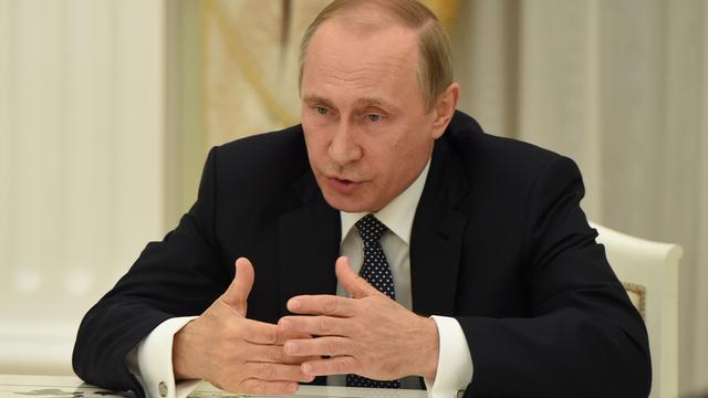 Poetin ontkent Russische betrokkenheid bij hack Democratische Partij