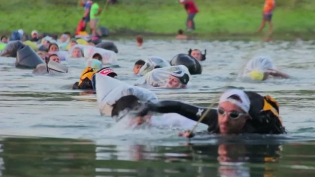 Mensen trotseren oerwoud tijdens Jungle Marathon