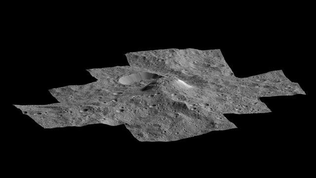 Nieuwe beelden van mysterieuze berg op dwergplaneet vrijgegeven