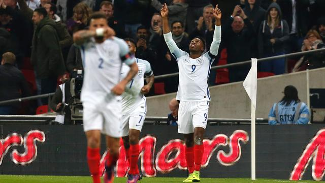 Ruime zeges Engeland en Duitsland, Dolberg debuteert voor Denemarken
