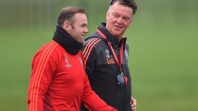 Rooney stelt dat United-spelers 'vechten' voor Van Gaal