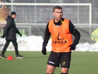 Hij zat maandagavond al als toeschouwer op de tribune bij Jong FC Utrecht - NAC en trainde eerder mee, maar dinsdag werd het definitief
