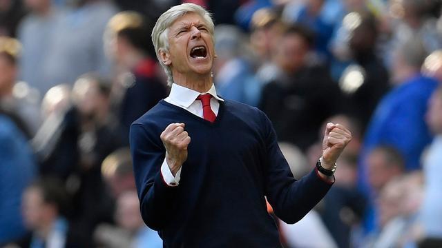 Wenger wenst 'perfecte serie' om alsnog in top vier te eindigen