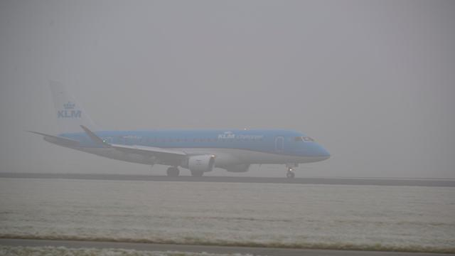 Timelapse van mist op Schiphol