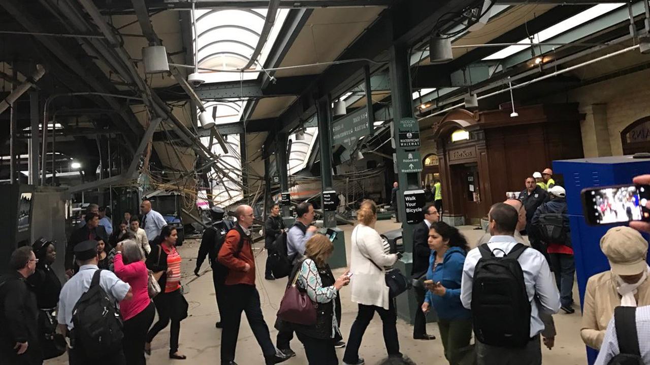 Dode en tientallen gewonden bij treinongeluk in New Jersey