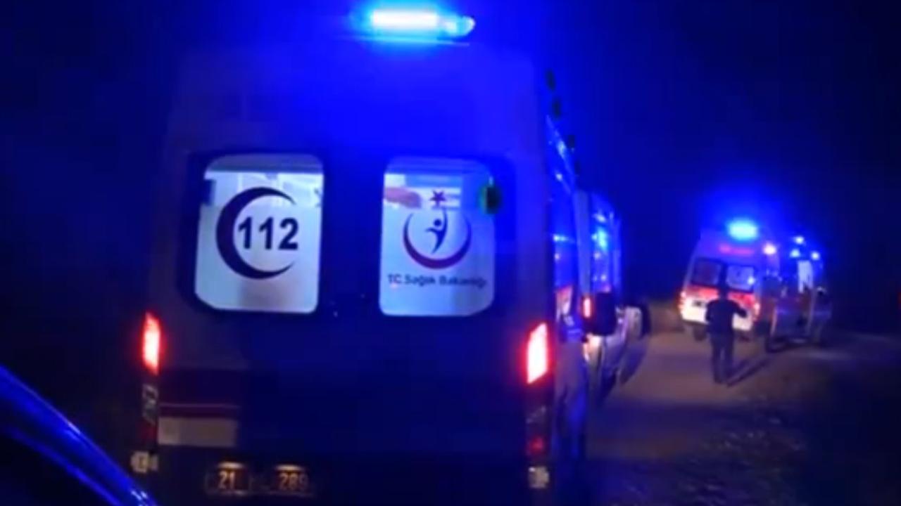Hulpdiensten arriveren na explosie Zuidoost-Turkije