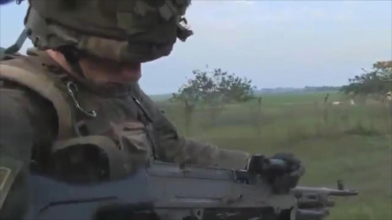 Franse militairen patrouilleren in Bangui