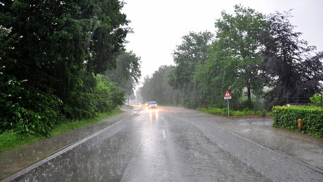 Code oranje ingetrokken na zwaar onweer op tropische dag