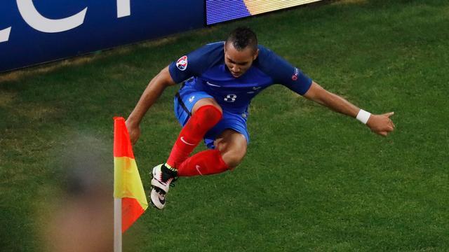 Frankrijk speelt laatste groepsduel op EK, Verstappen in actie in Baku