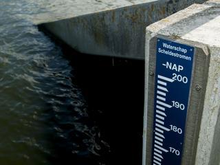Waterschap laat grotere duiker plaatsen