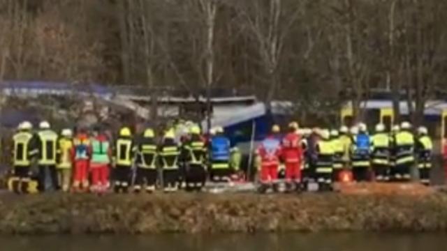 Veel hulpverleners bij treinongeluk Duitsland