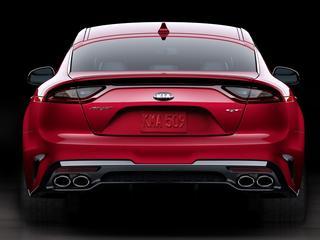 Kia komt onverwacht uit de hoek met een razendsnelle auto in het topsegment; dit is de Kia Stinger GT.