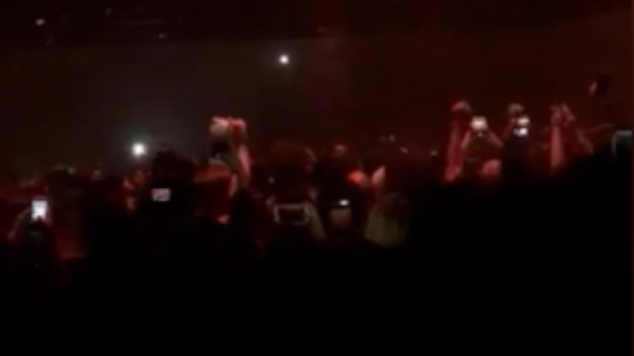 Kanye West staakt optreden wegens stemverlies