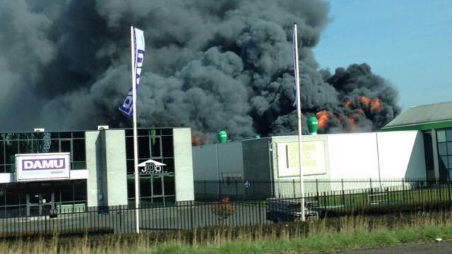 Grote brand op industrieterrein in Waspik