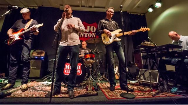 Rock en blues op Koningsdag bij Taveerne Tivoli in Raalte