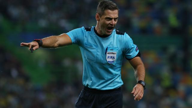 UEFA stelt Sloveense arbiter Skomina aan voor Europa League-finale Ajax