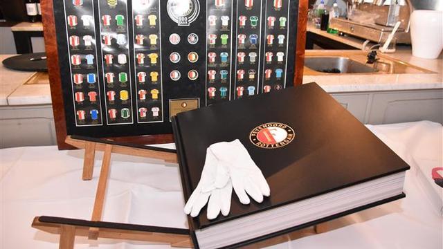 Leidenaar schrijft Feyenoordboek van 30 kilo