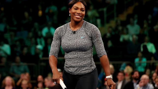 Serena Williams zegeviert bij rentree na rustpauze van vijf weken