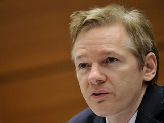 Oprichter WikiLeaks wil politiek asiel aanvragen in Frankrijk