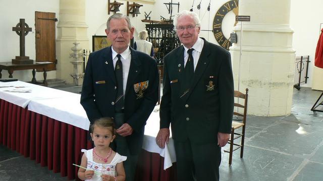 Burgemeester ontvangt Leidse veteranen in Hooglandse Kerk