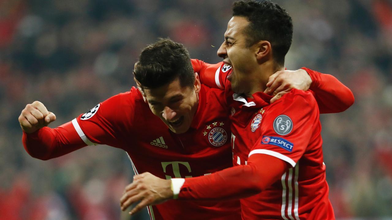 Thiago maakt 3-1 na fraai hakje Lewandowski