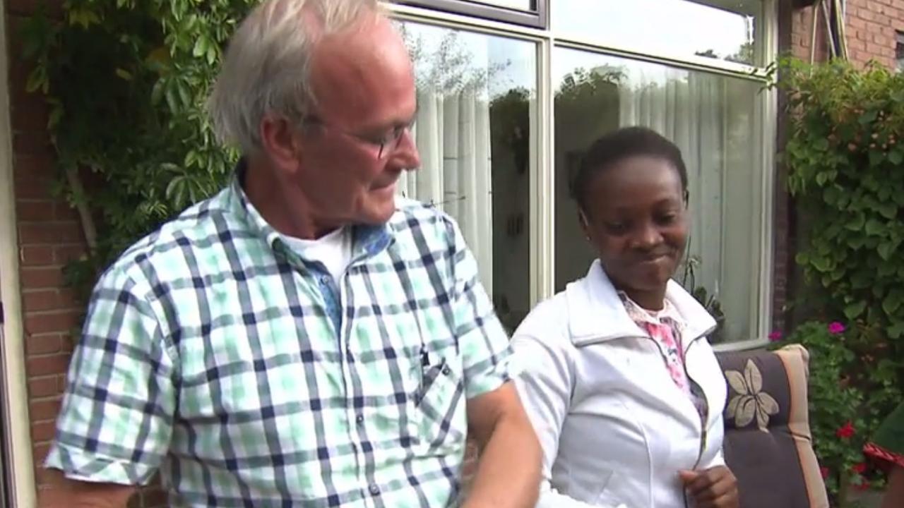 Ghanese vrouw kan voor het eerst in haar leven horen