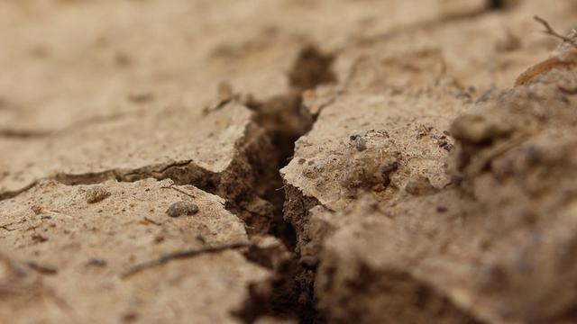 Haast met saneren vervuilde grond in centrum Etten-Leur