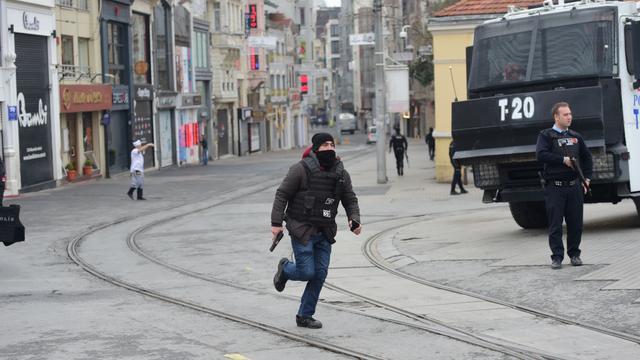 Doden en tientallen gewonden door aanslag in centrum Istanbul