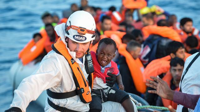 Duizenden bootvluchtelingen dit Paasweekend gered in Italië