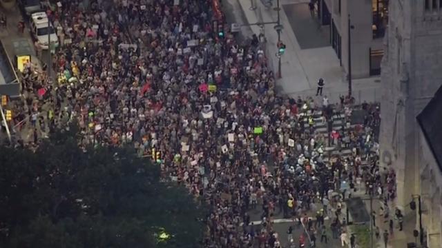 Duizenden mensen uit Philadelphia tonen solidariteit met Charlottesville