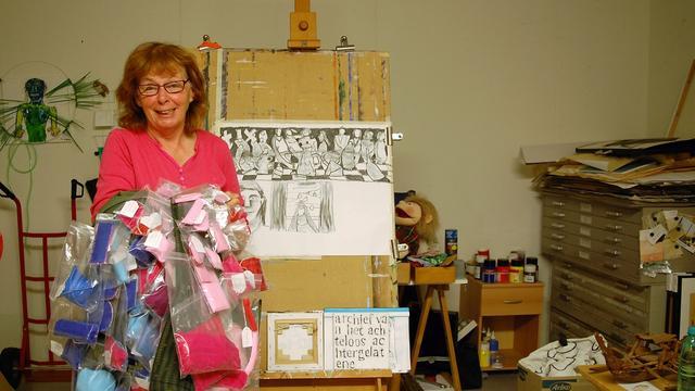 Irene Weug borduurt lint tussen Roosendaal en Bergen op Zoom