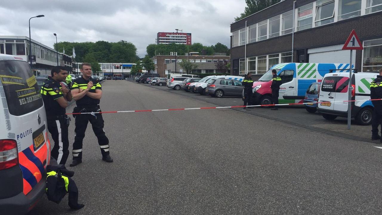 Politie zet omgeving Bunker ruim af na vondst auto met draaiende motor