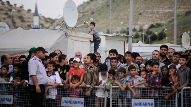 Turkije dreigt migranten naar Europese Unie te sturen
