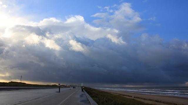 Zondag stormachtig weer verwacht langs de kust en in Limburg