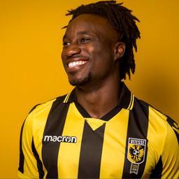 Vitesse neemt rechtsback Dabo op huurbasis over van Chelsea