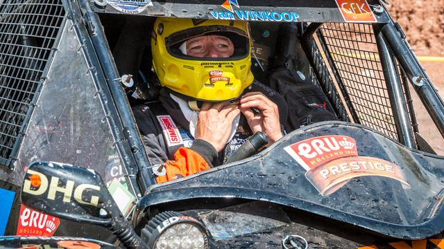 Tom Coronel zat dag vast in woestijn na opgave in Dakar Rally