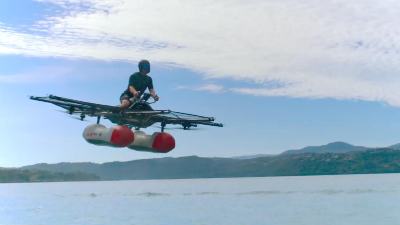 Zelfvliegende auto Google-oprichter dit jaar te bestellen