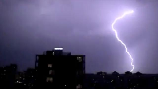 Fraaie bliksemshow in Sydney