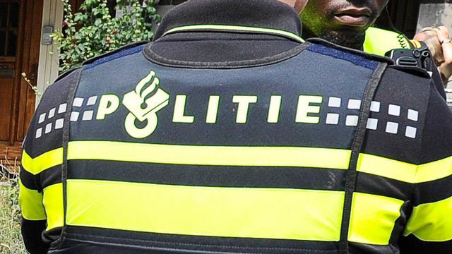 Amsterdammer rijdt door berm A2 tijdens politie-achtervolging