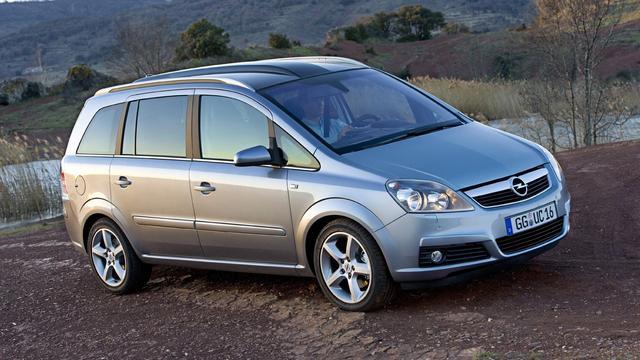 Opel onderzocht vanwege verdachte uitstootgegevens