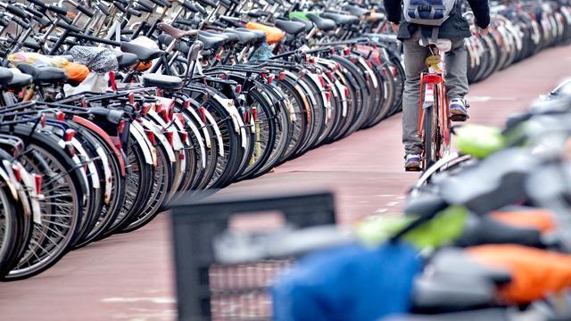Amsterdam investeert miljoenen euro's in fietsveiligheid