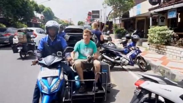 Motorfietsbedrijf geeft gehandicapte Indonesiërs een kans